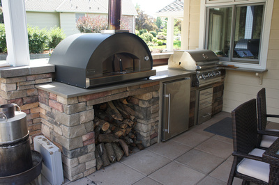 Outdoor living and built-in BBQ space